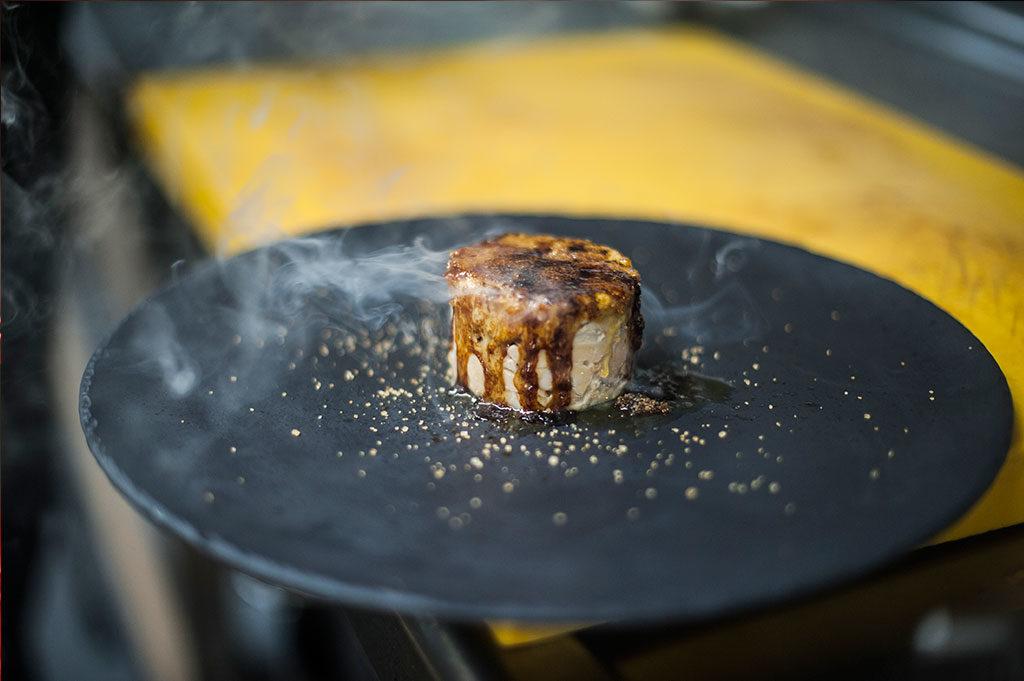 Milhoja de Foie con manza, en Restaurante Piripi Alicante