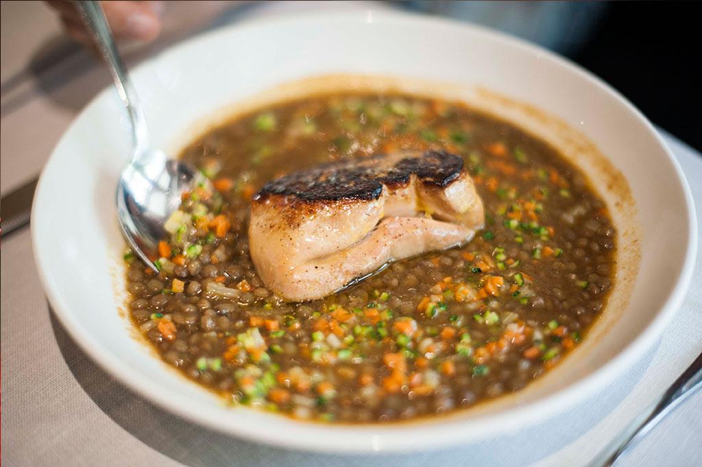 Lentejas con foie de pato, en Restaurante Piripi Alicante