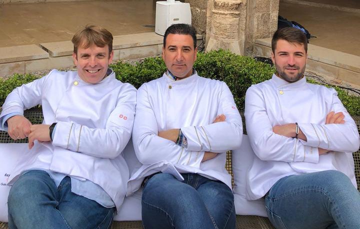 La Guía Repsol viste a los jefes de cocina de Grupo Gastronou